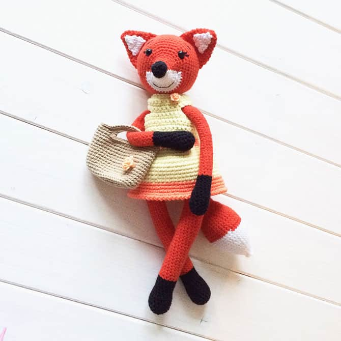 lady fox amigurumi crochet pattern