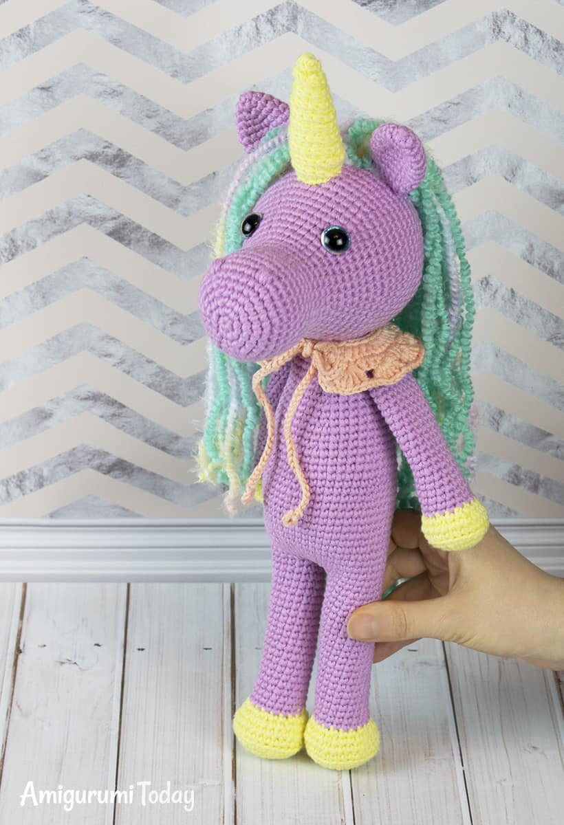 Shy unicorn amigurumi - Free pattern by Amigurumi Today