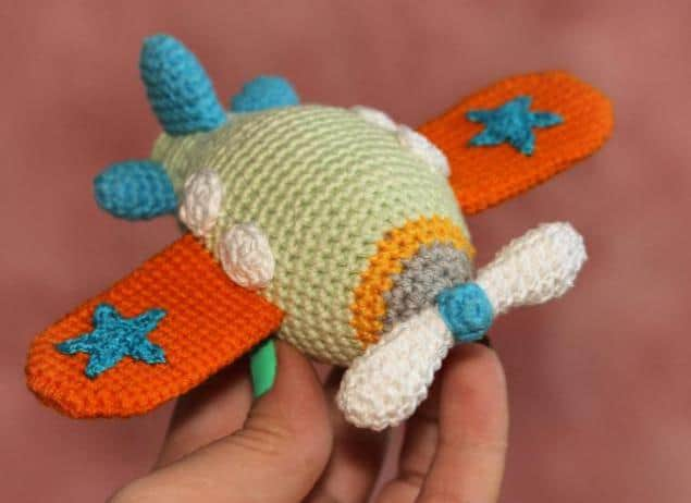 airplane free crochet amigurumi pattern