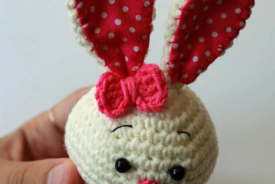 Cute bunny amigurumi crochet toy pattern