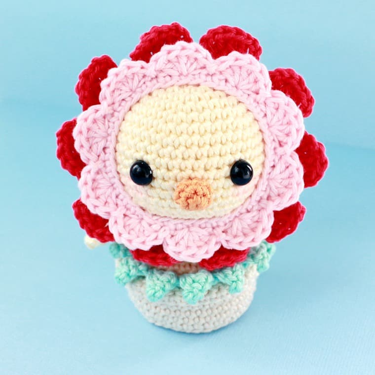 Free Printable Amigurumi Animal Patterns : Funny chick amigurumi crochet pattern - Amigurumi Today