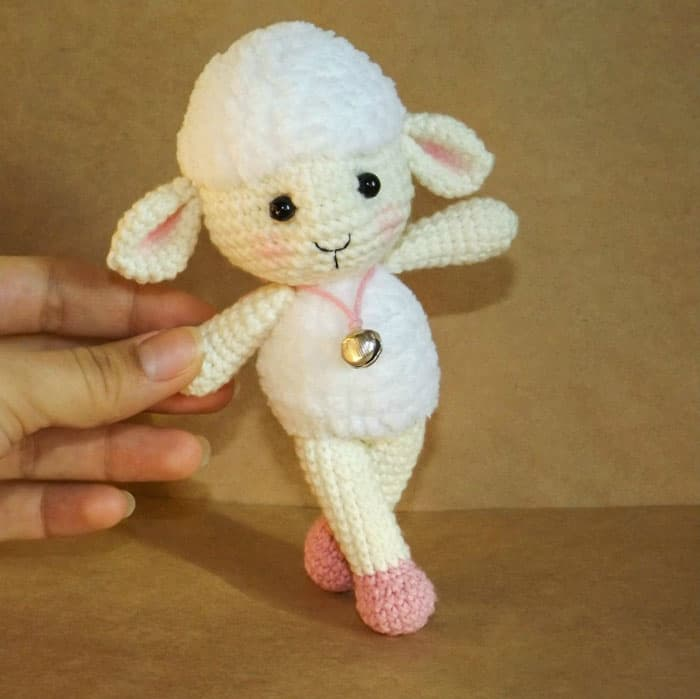 Mario Amigurumi Free Pattern : Meryl the Sheep amigurumi pattern - Amigurumi Today