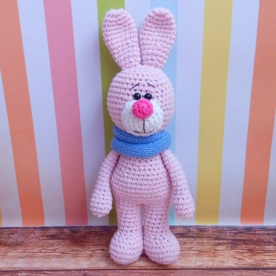 Crochet bunny with snood - Amigurumi Today