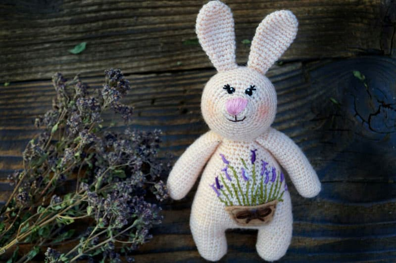 Free amigurumi pattern rabbit baby rattle