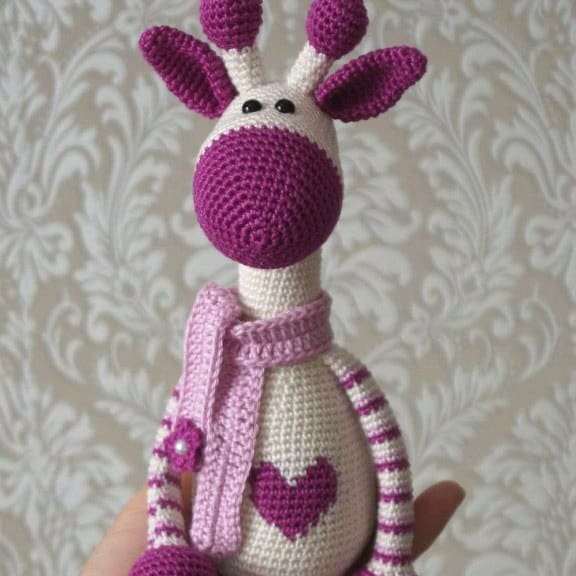 Free Amigurumi Patterns Online : Hearty Giraffe amigurumi pattern - Amigurumi Today