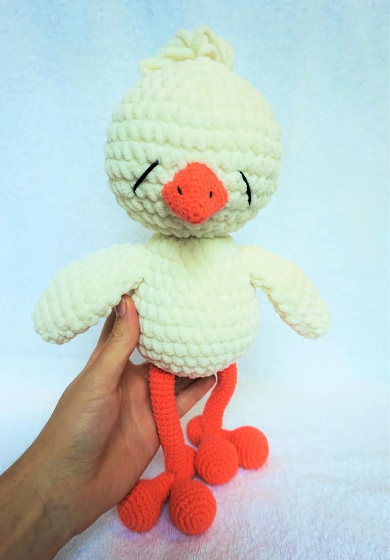 Sleepy chicken amigurumi pattern free
