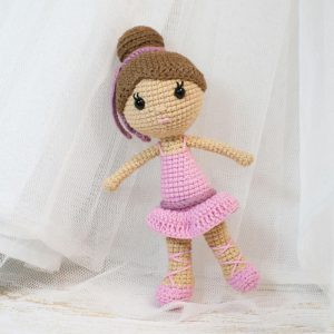 Amigurumi Ballerina Doll - Free crochet pattern by Amigurumi Today