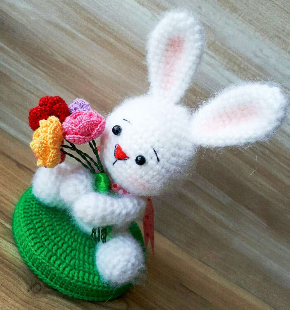White rabbit crochet pattern