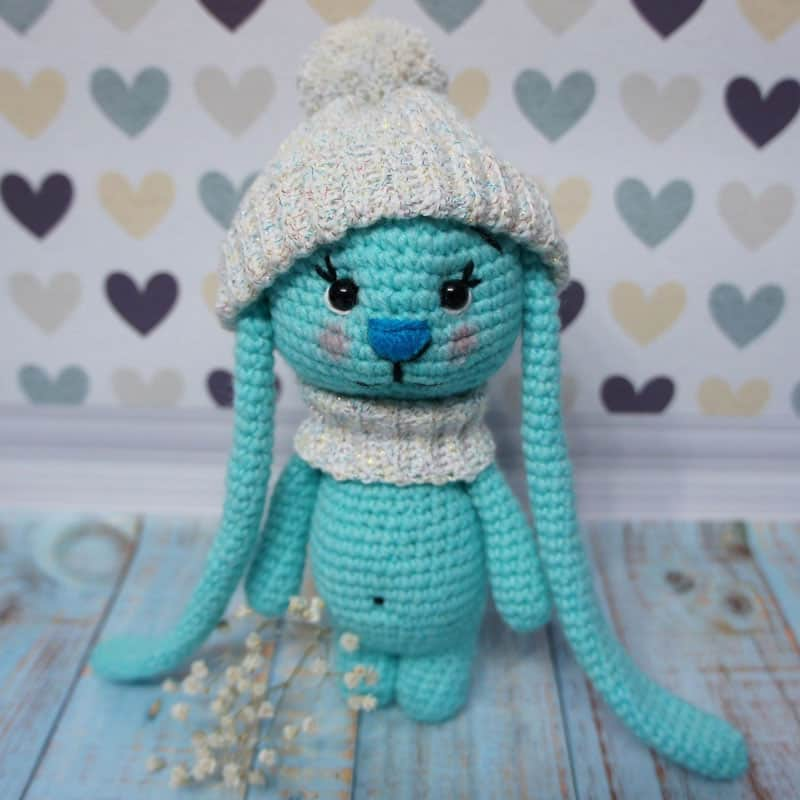 Amigurumi bunny with long ears free crochet pattern