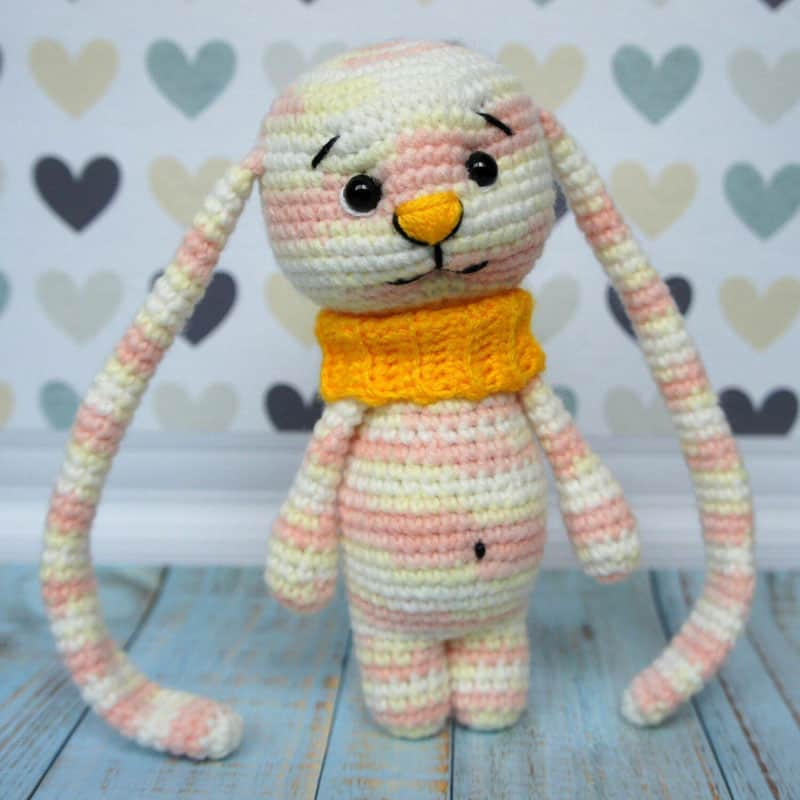 Amigurumi bunny with long ears free pattern