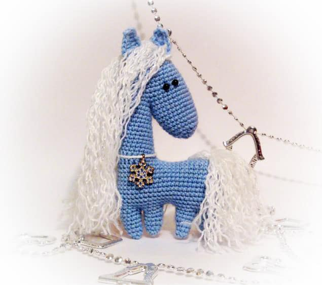 These fancy horses are crocheted inwards uncommon agency  Amigurumi crochet Equus caballus pattern