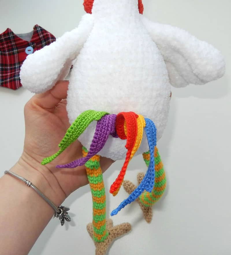 Funny rooster crochet pattern - tail