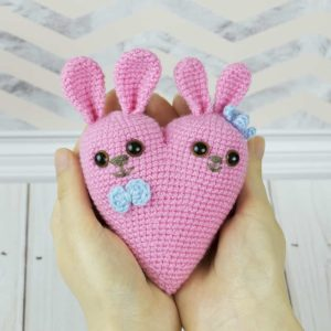 Bunny heart amigurumi - Free crochet pattern by Amigurumi Today