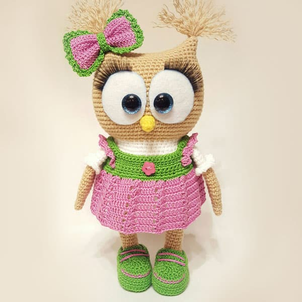 Crochet owl in dress - free amigurumi pattern