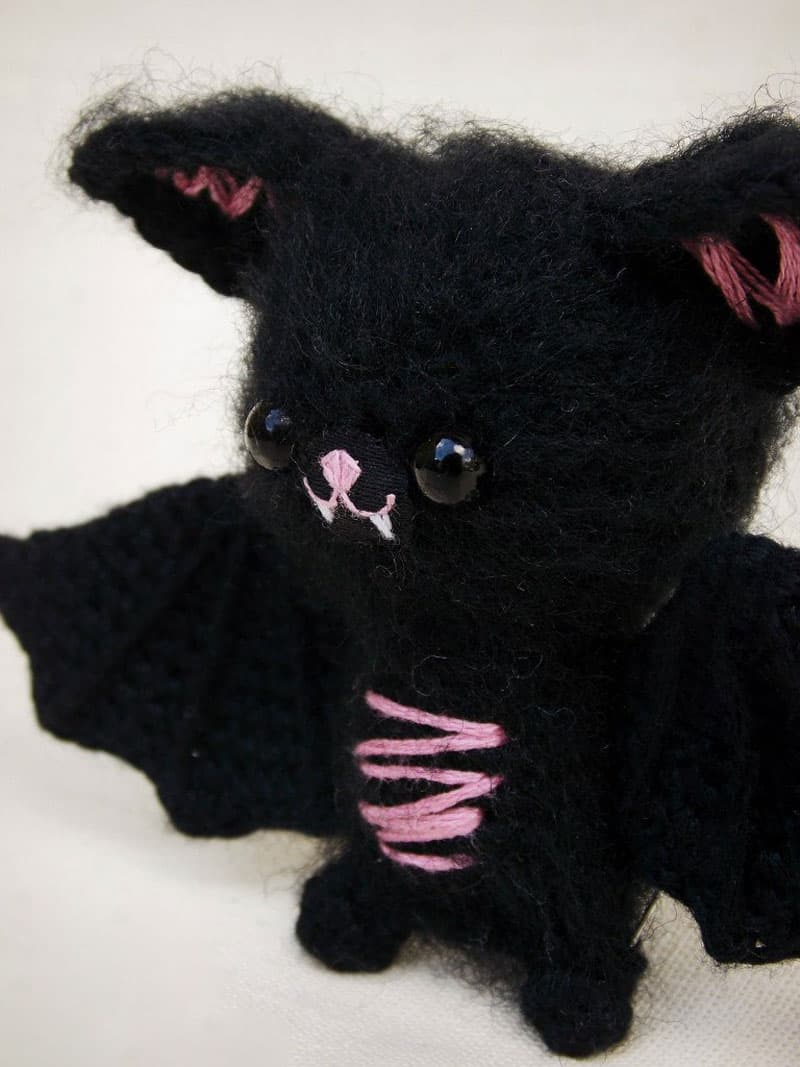 Little bat amigurumi crochet pattern