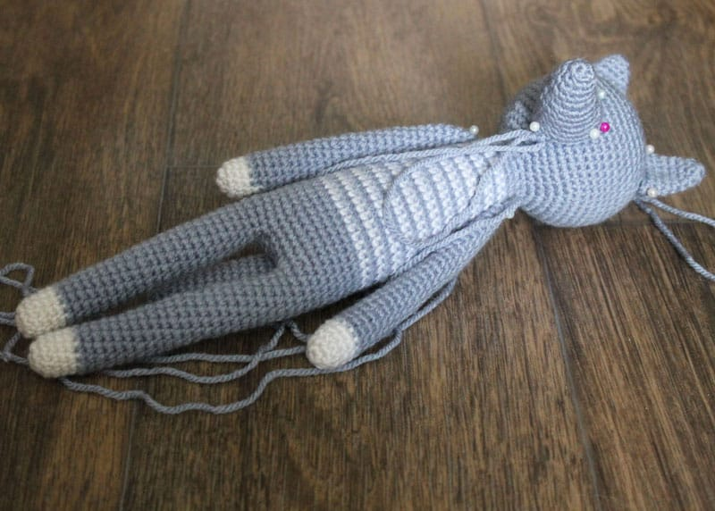 Long-legged amigurumi - free crochet pattern