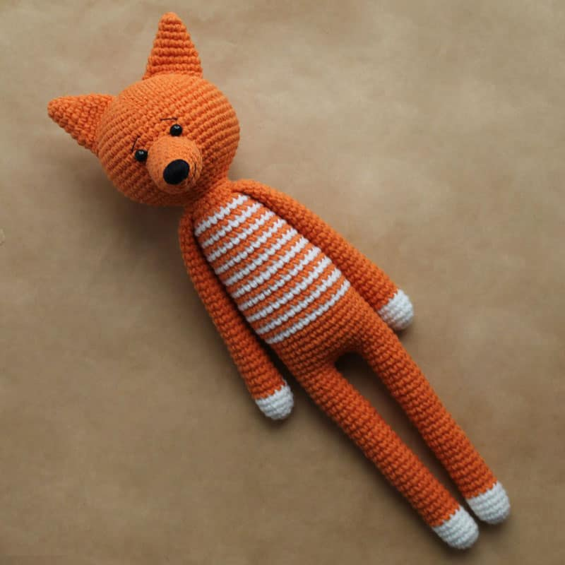 Long-legged amigurumi toy pattern