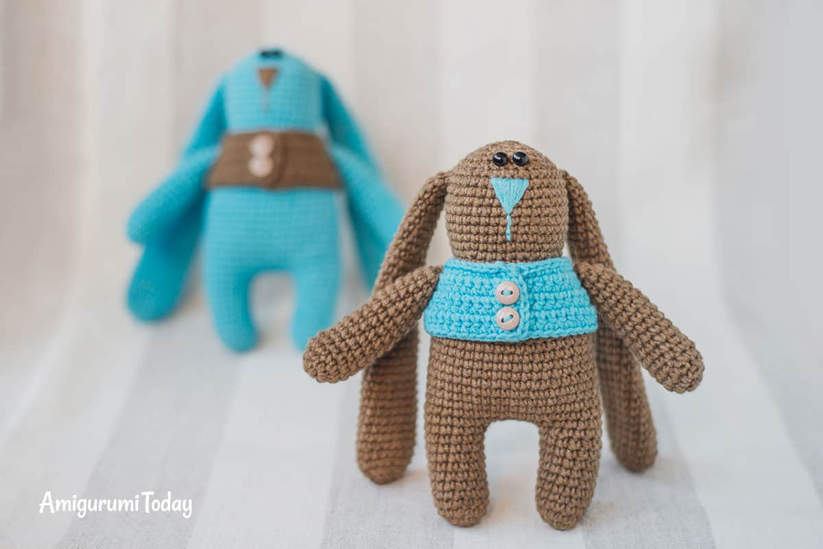 Amigurumi bunny twins in vests - Find FREE CROCHET PATTERN on Amigurumi Today