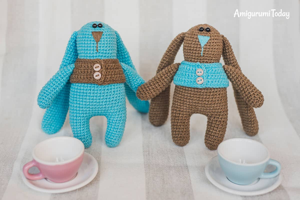 Amigurumi bunny twins in vests - FREE crochet pattern