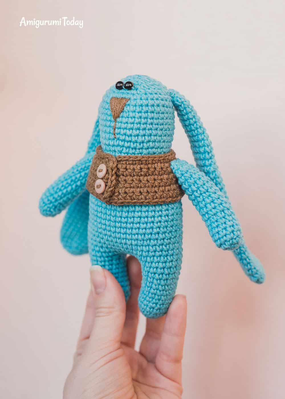 Amigurumi bunny in vest - Pattern on Amigurumi Today
