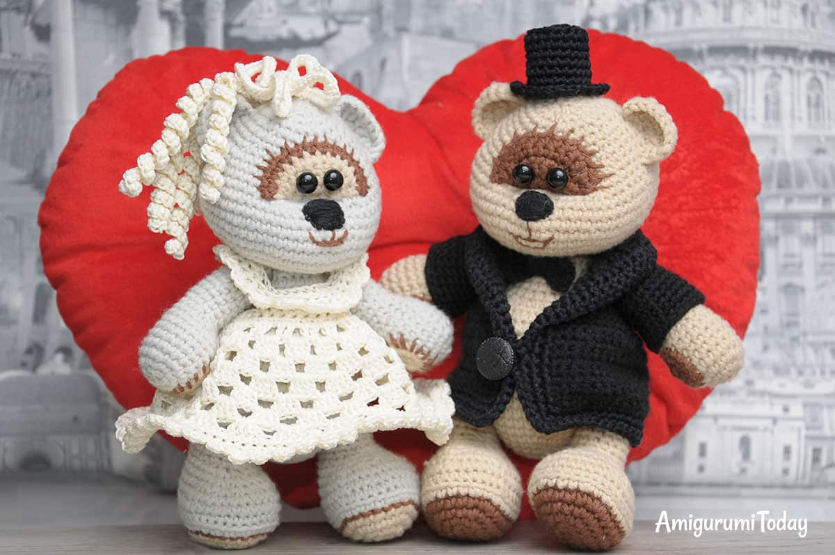 Amigurumi wedding bears: crochet pattern