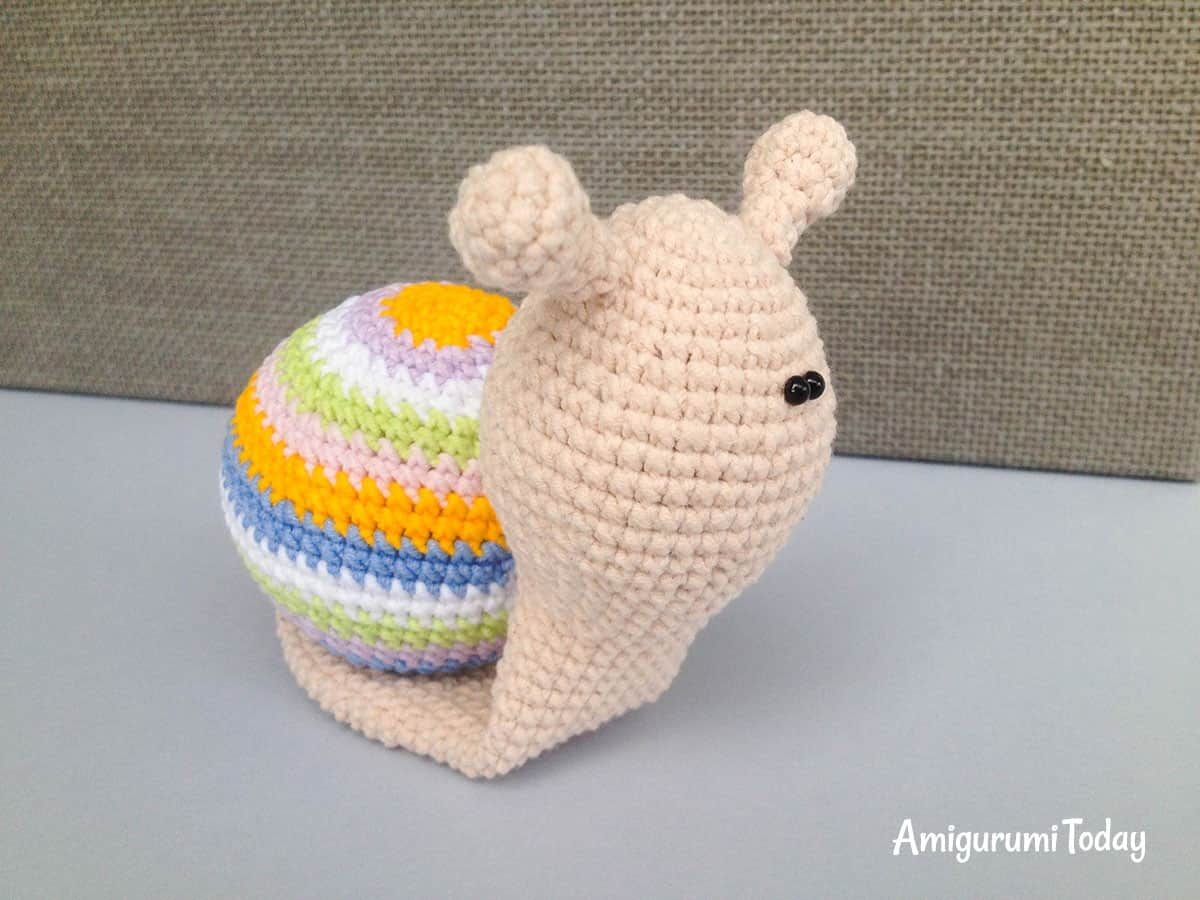 Crochet lady snail pattern
