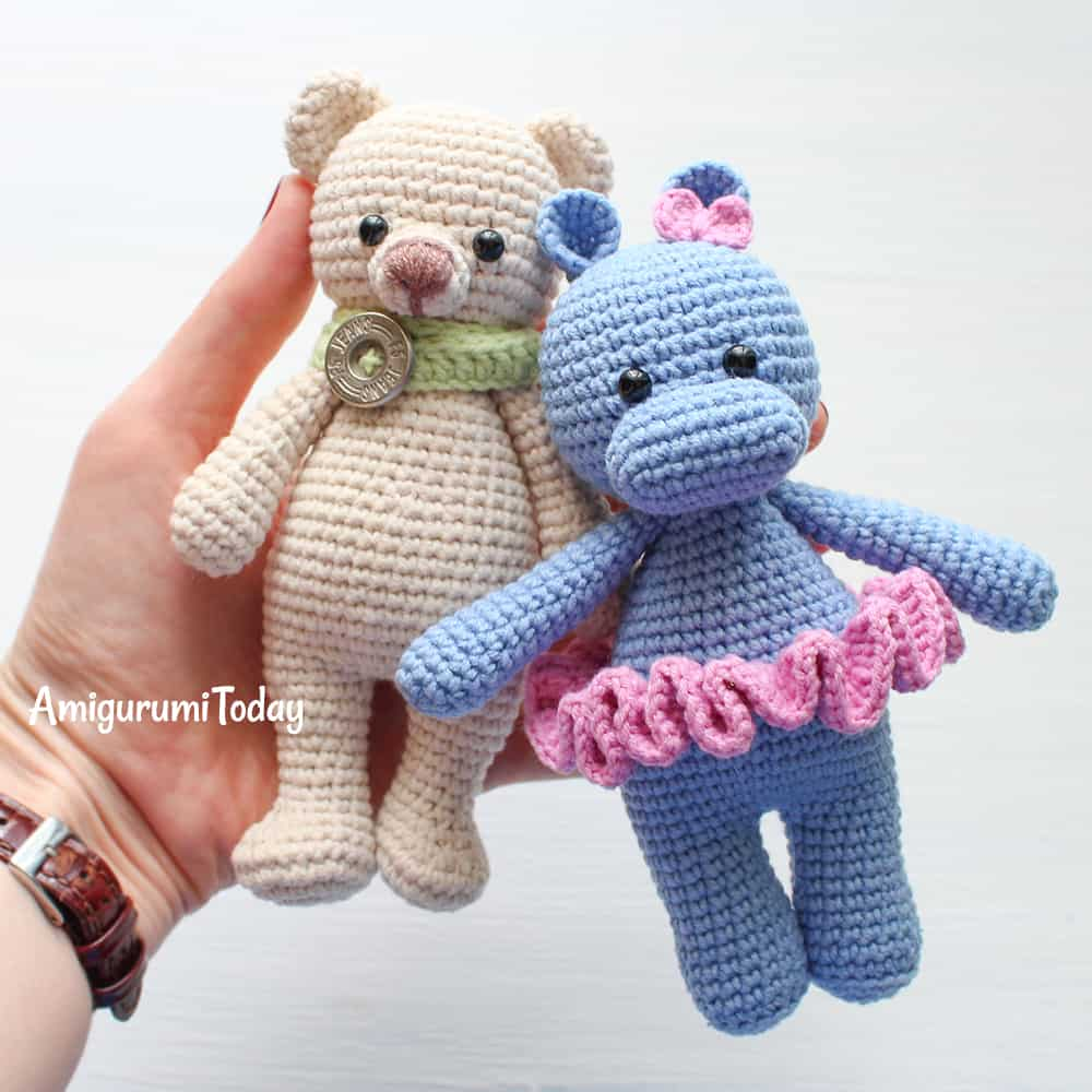 This footling crochet deport is e'er laid for a sweetness in addition to squishy hug Cuddle Me Bear amigurumi pattern