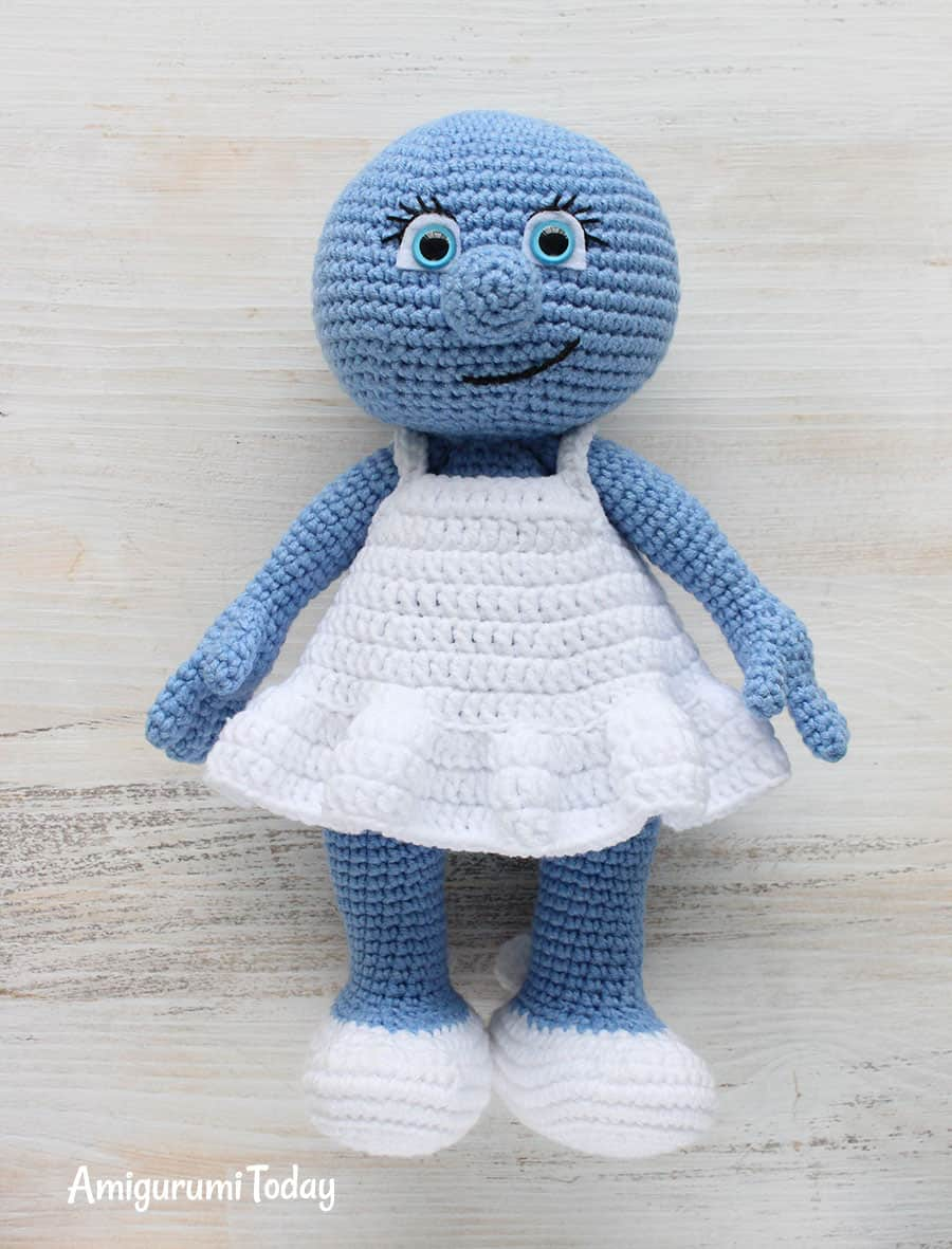 Amigurumi Smurfette crochet pattern - assembly