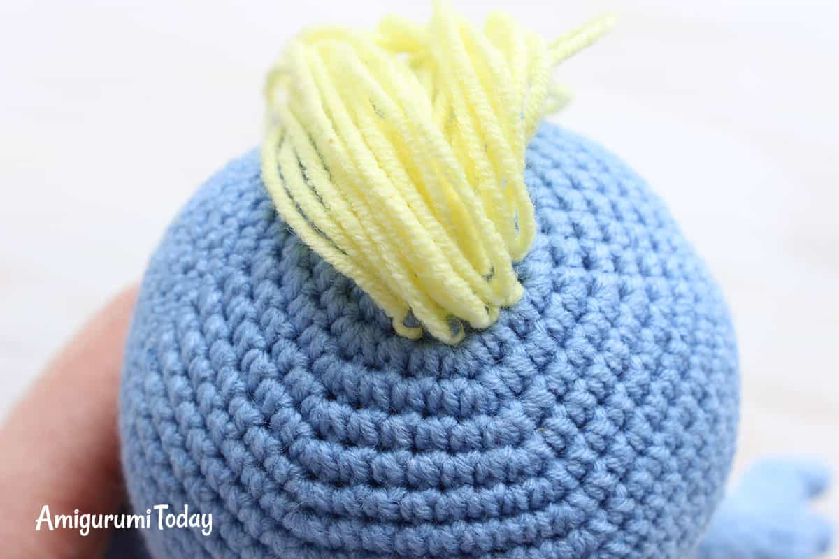 Free Smurfette amigurumi pattern - making hair