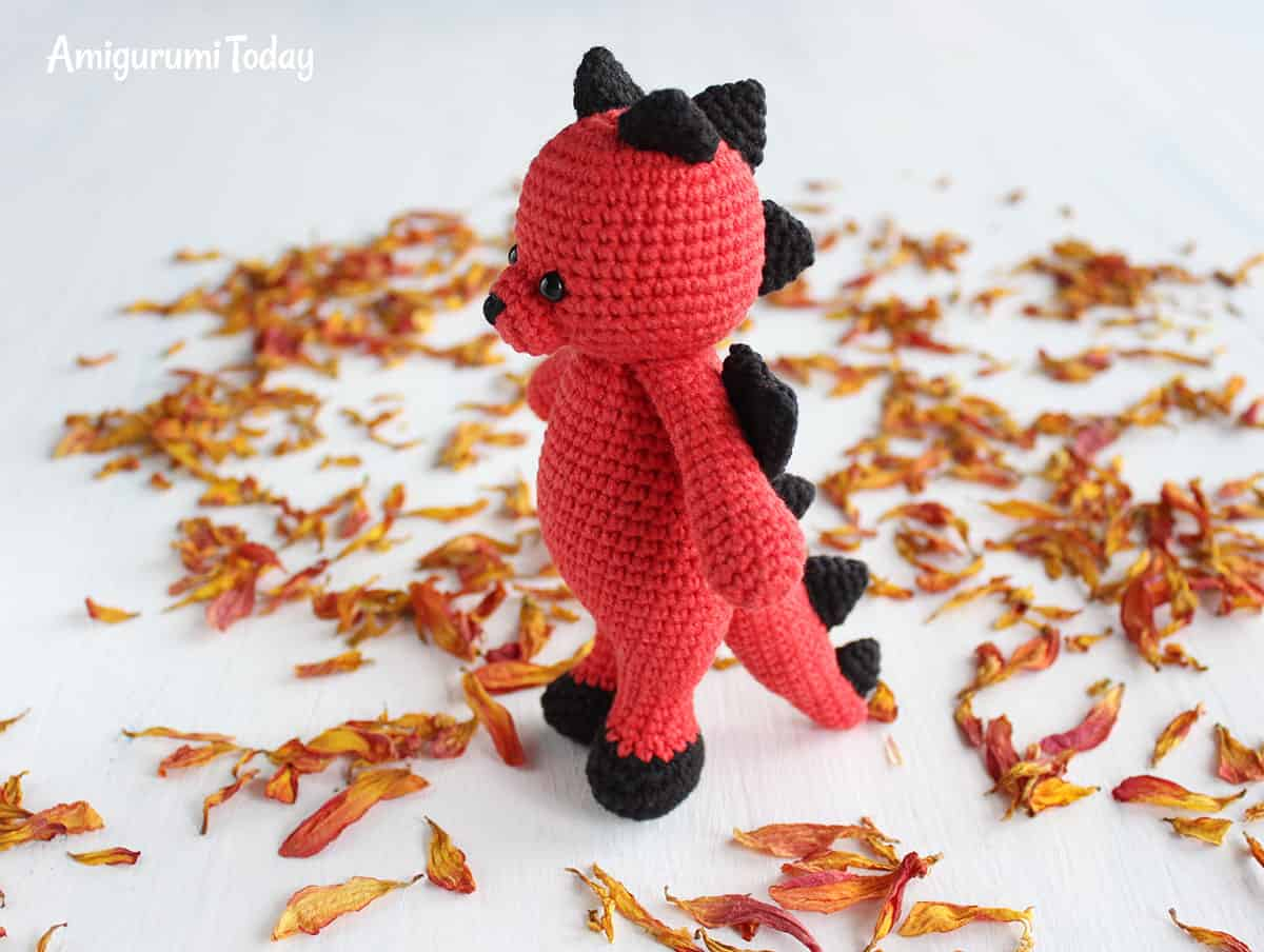 Amigurumi Cuddle Me Dragon crochet pattern