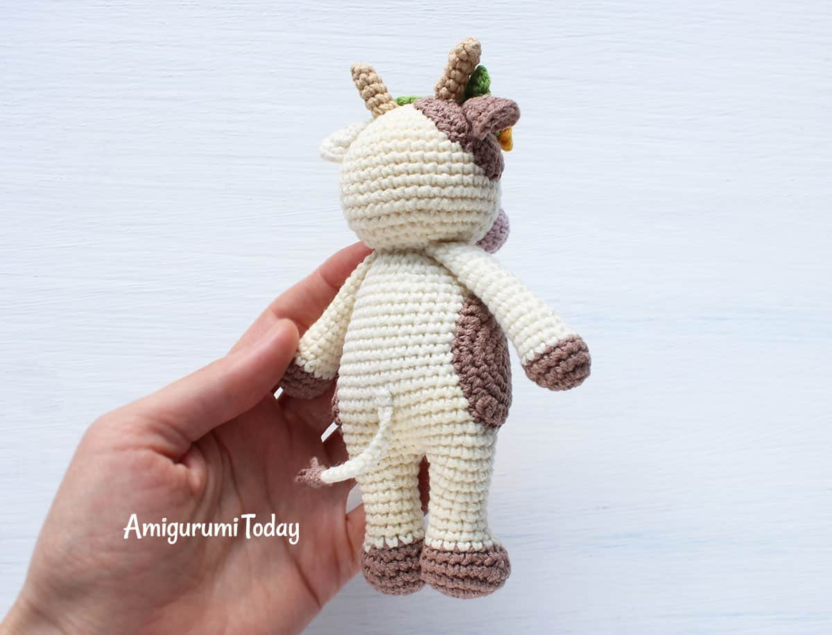 Cuddle Me Rhino amigurumi pattern - Amigurumi Today | 916x1200