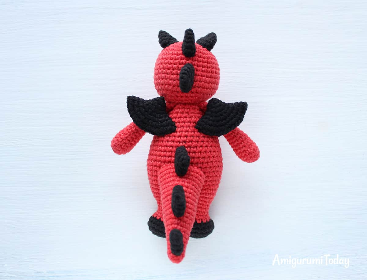 Cuddle Me Dragon - Free amigurumi pattern