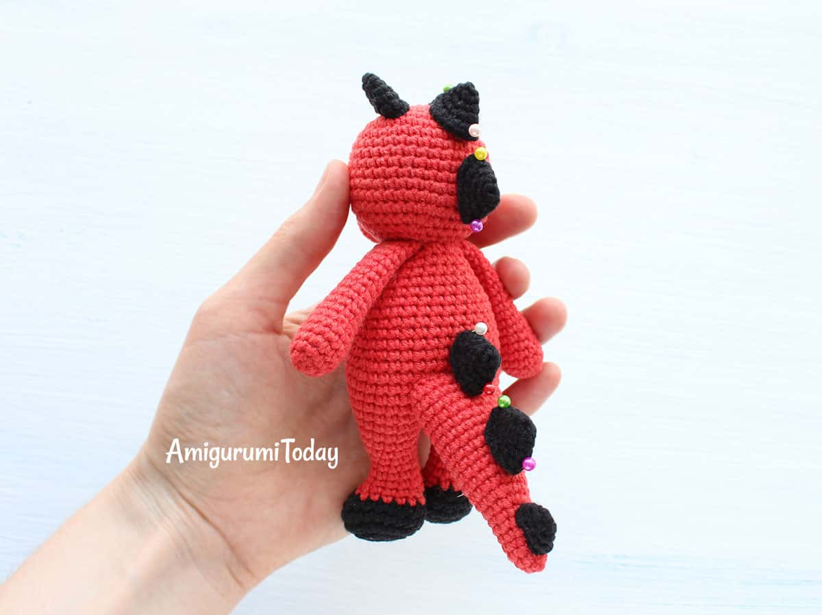 Cuddle Me Dragon crochet pattern - assembly