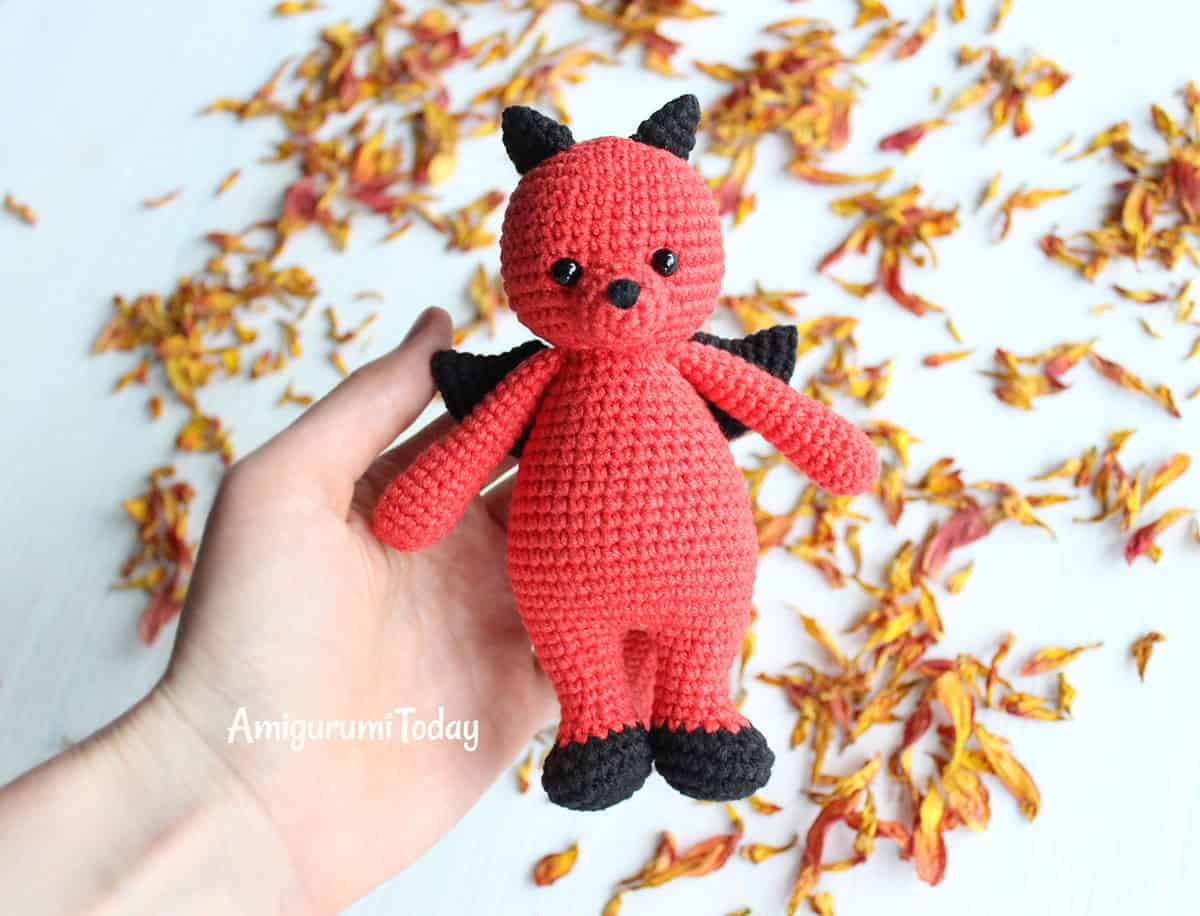 Cuddle Me Dragon crochet pattern