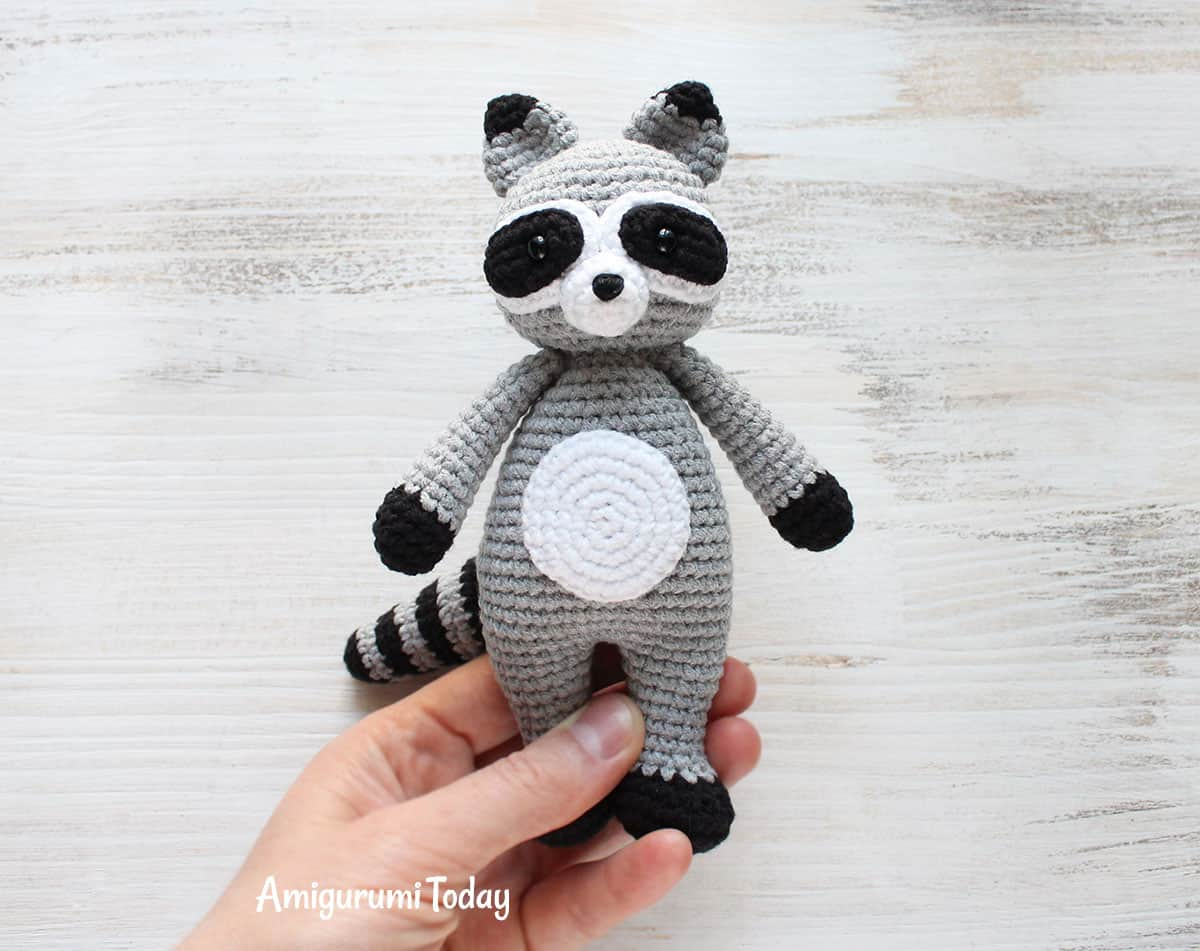 Cuddle Me Raccoon Amigurumi - Free crochet pattern