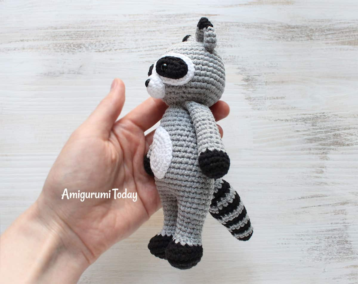 Cuddle Me Raccoon - Free crochet pattern