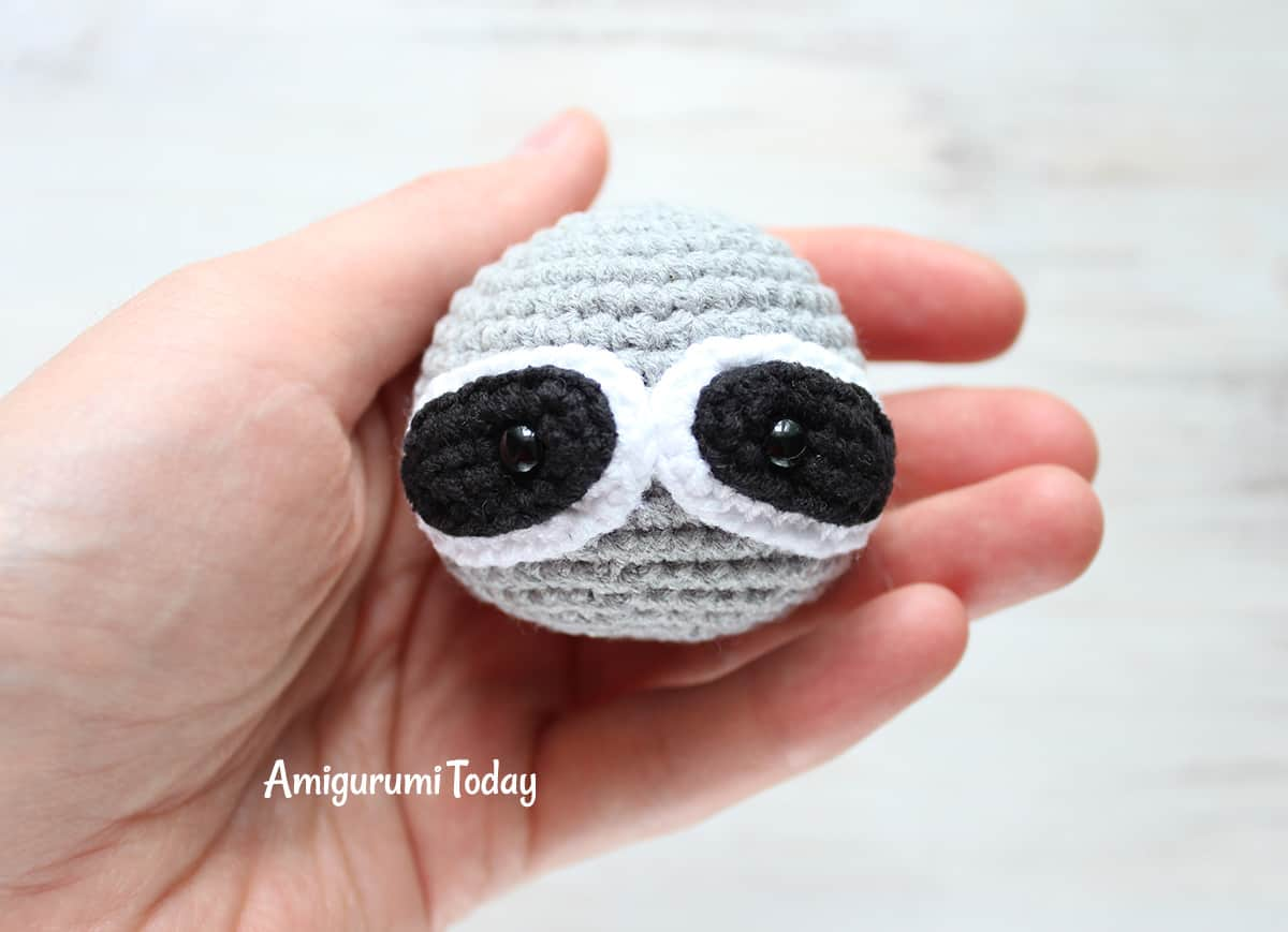 Cuddle Me Raccoon amigurumi pattern - muzzle