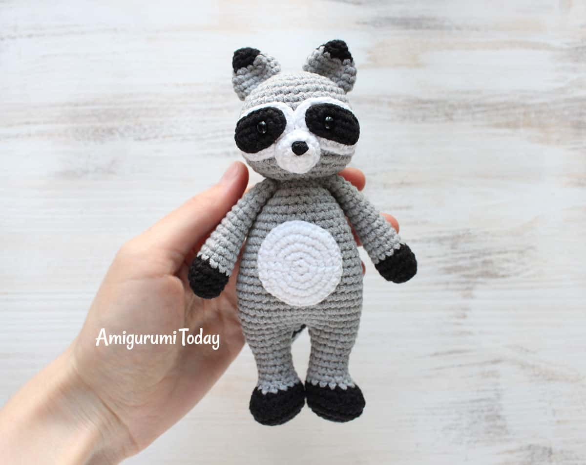 Cuddle Me Raccoon amigurumi pattern - Amigurumi Today