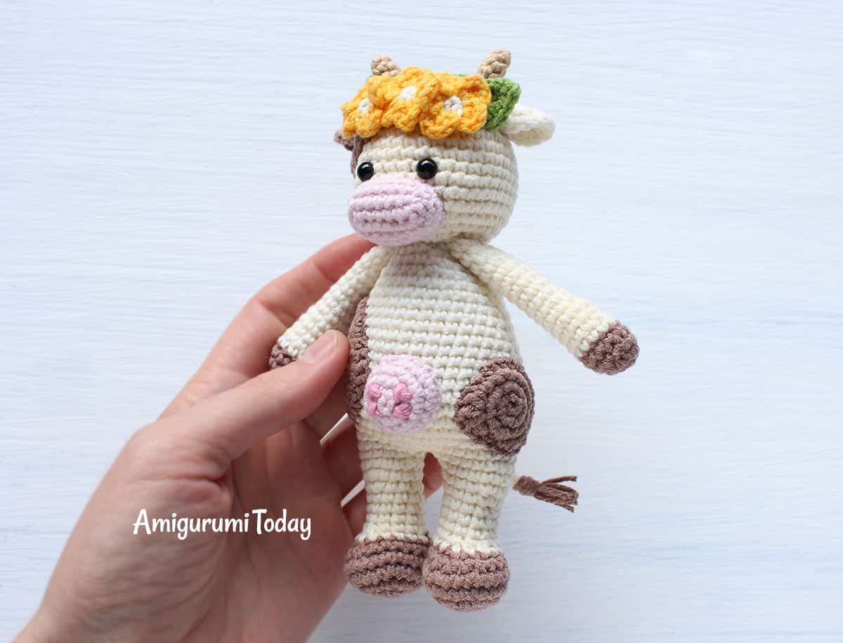 Amigurumi Cow - A Free Crochet Pattern - Grace and Yarn | 916x1200