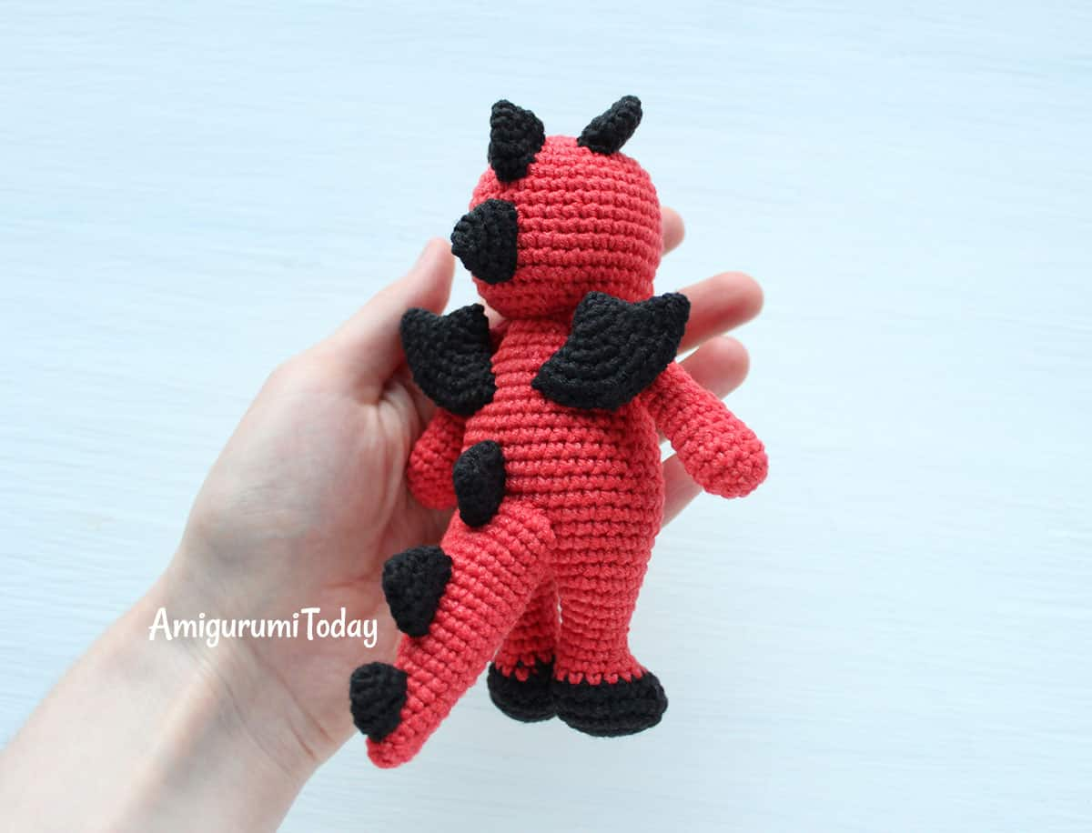Free Cuddle Me Dragon amigurumi pattern