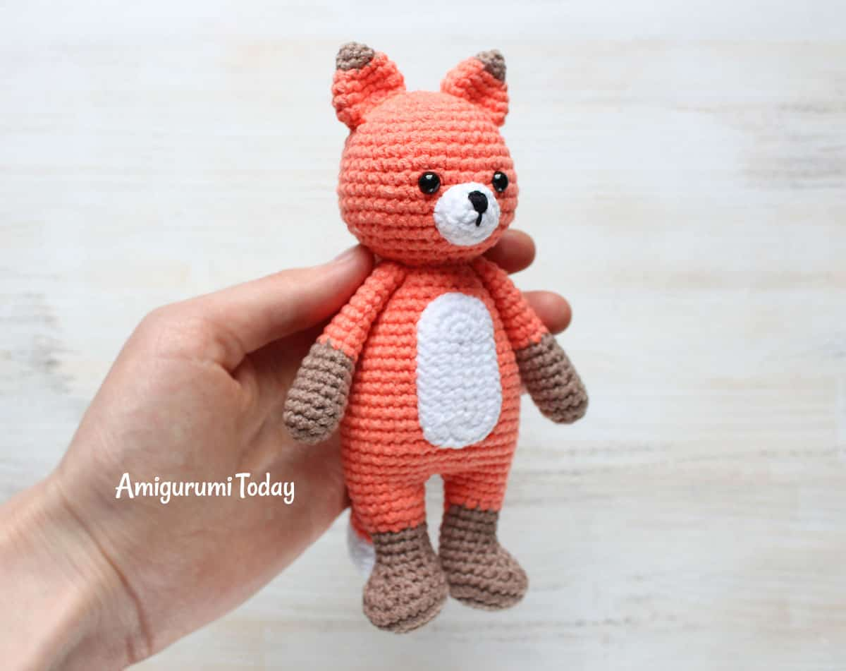 Free and Awesome Red Fox Amigurumi Crochet Pattern - Free ... | 951x1200
