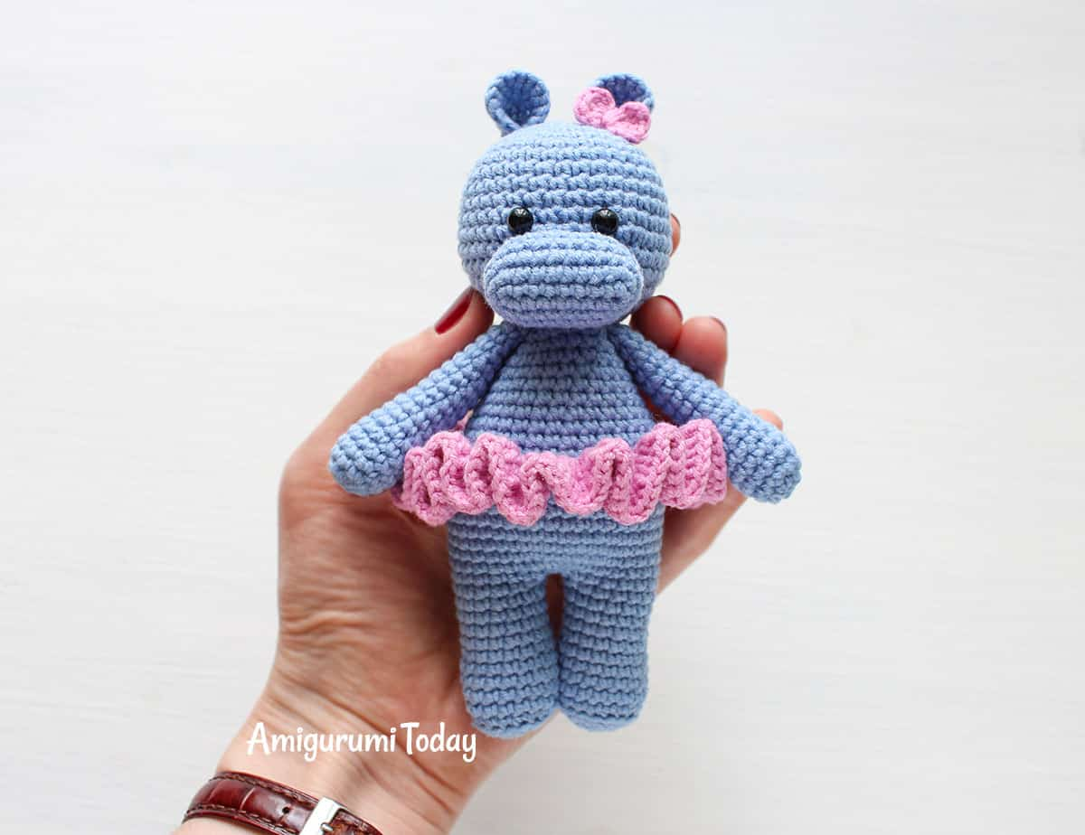 Amigurumi Crochet Bunny Rabbit Toys With Skirt Customized Size ... | 924x1200