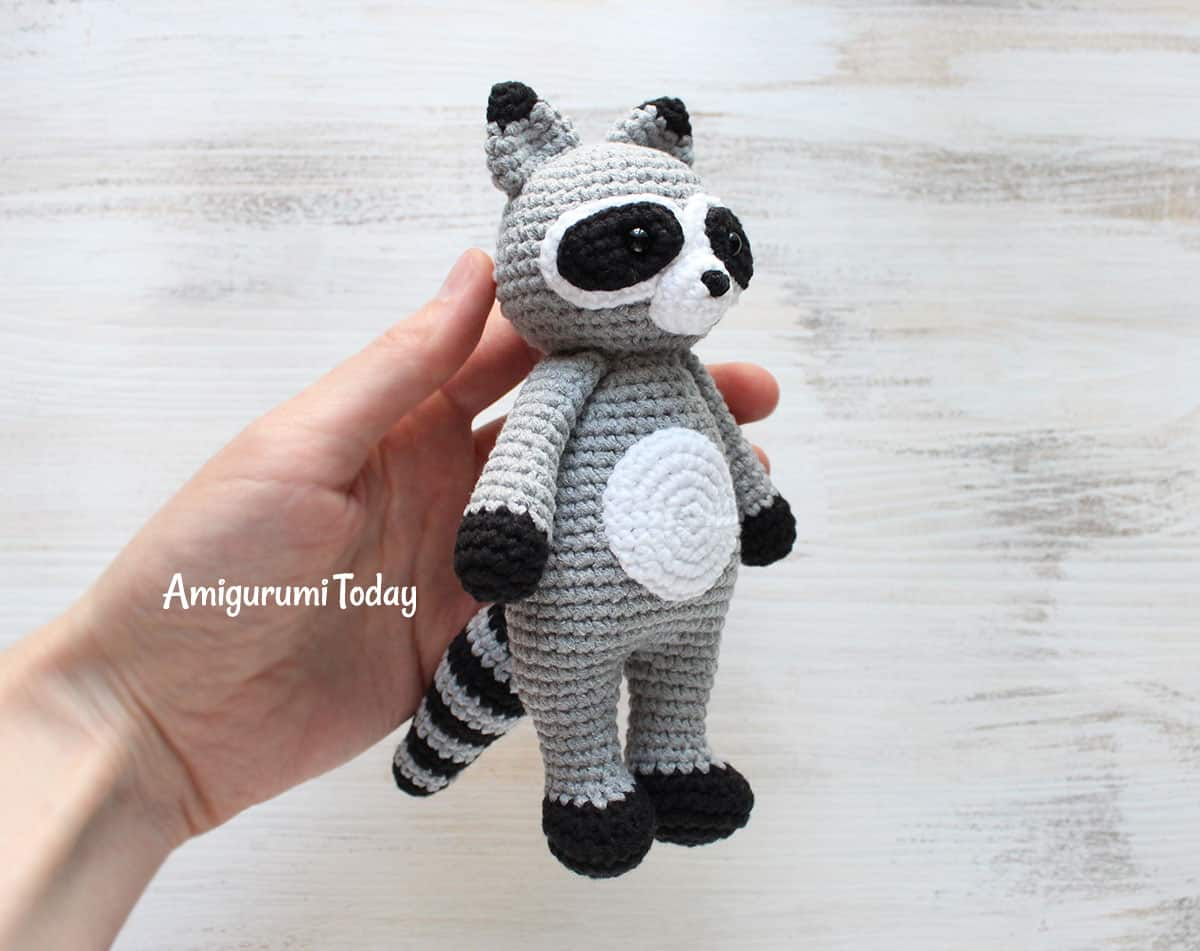 Free Cuddle Me Raccoon amigurumi pattern
