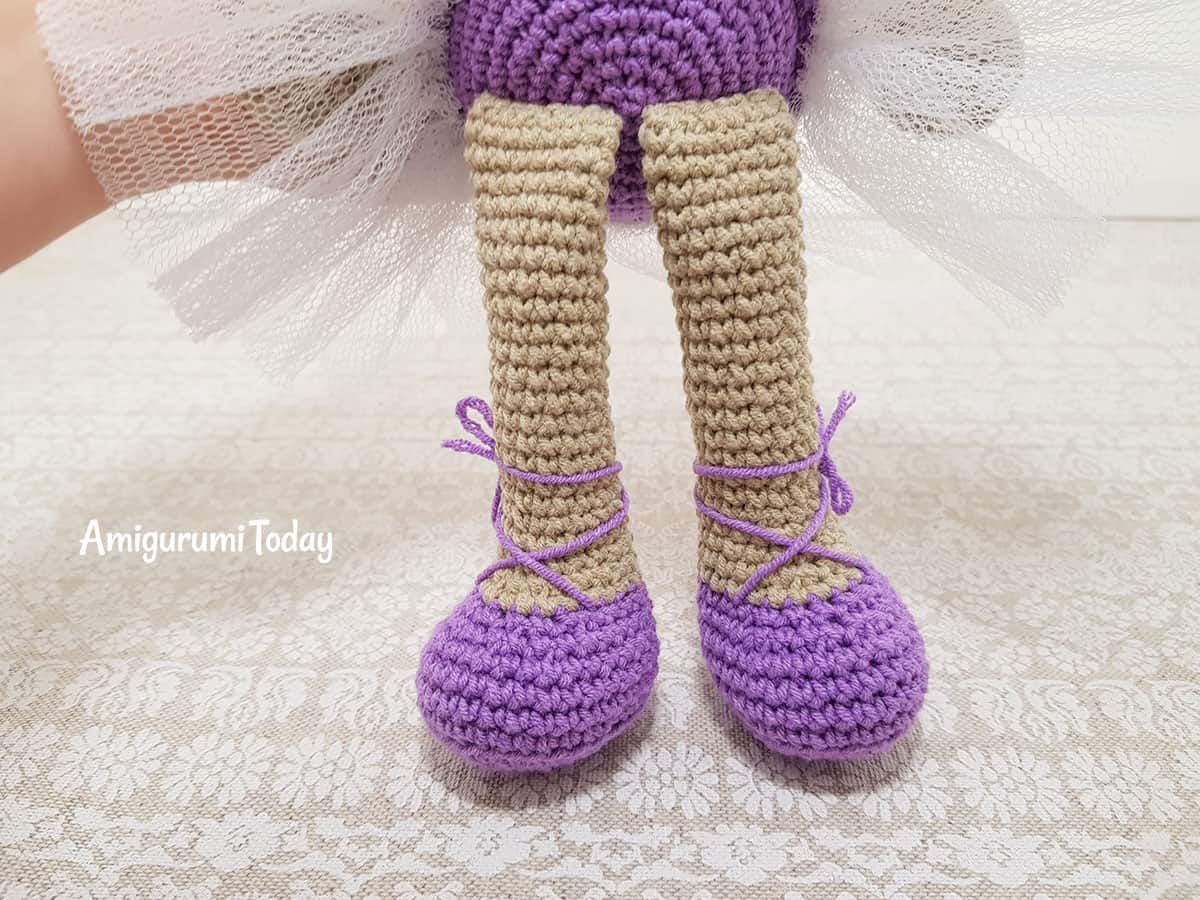 Ballerina cat doll amigurumi pattern - ballet shoes