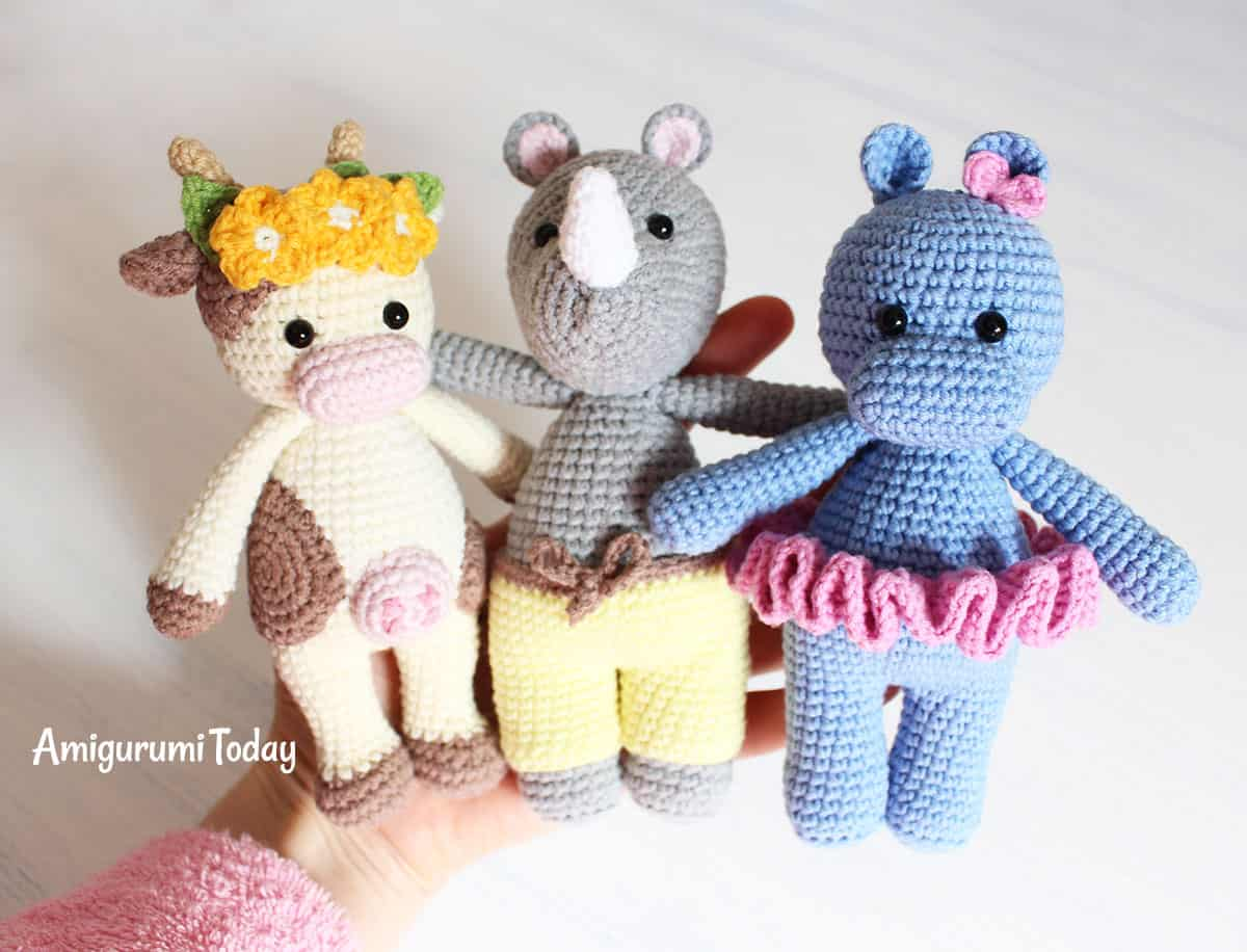 This Cuddle Me Rhino amigurumi dressed inwards sunny pants is the ideal friend for your brainy  Cuddle Me Rhino amigurumi pattern