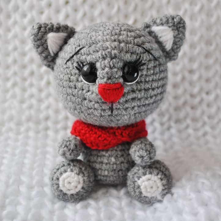 Semi-woolen yarn for amigurumi toys