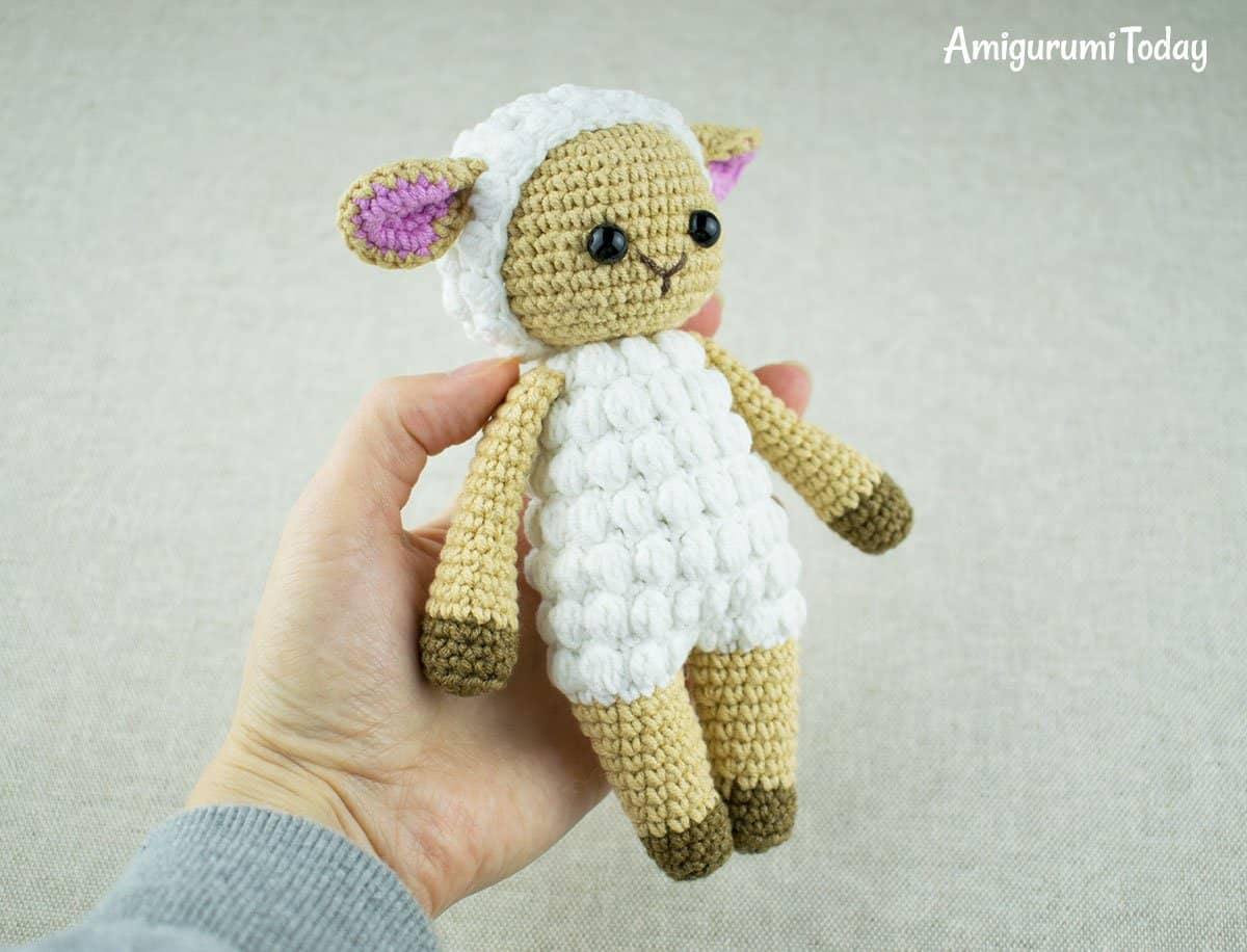 Free Cuddle Me Sheep crochet pattern