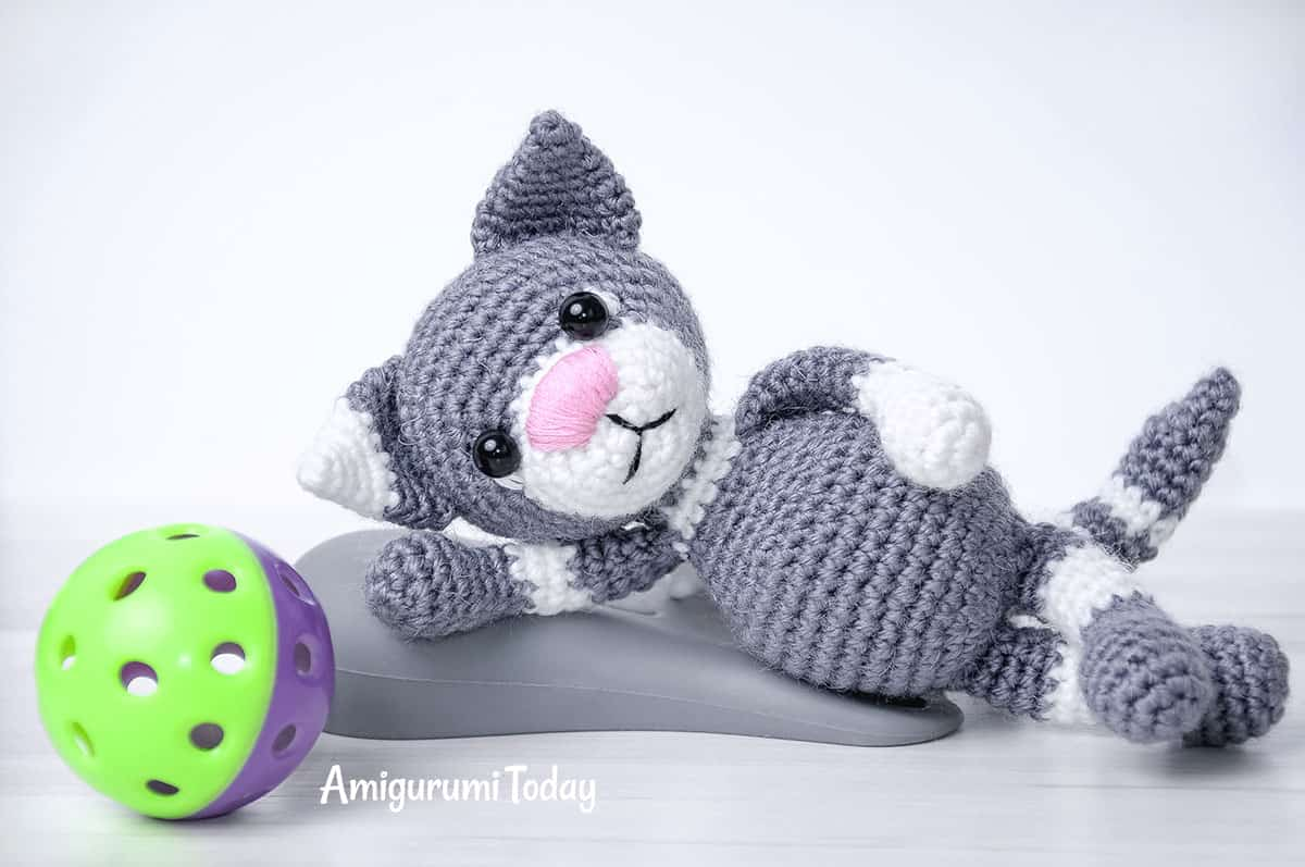 Toby the Cat crochet pattern by Amigurumi Today