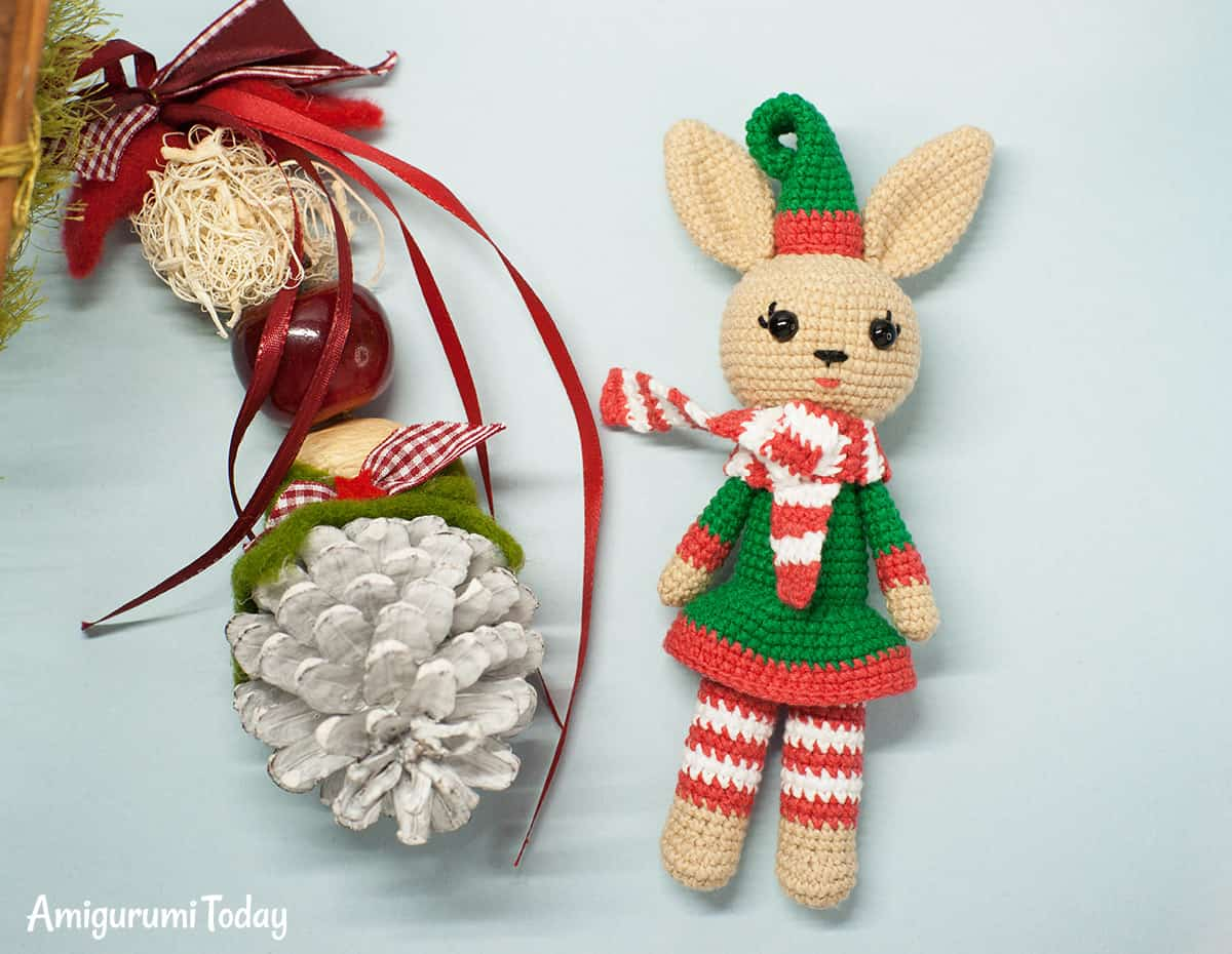 Christmas Bunny - Free crochet pattern by Amigurumi Today