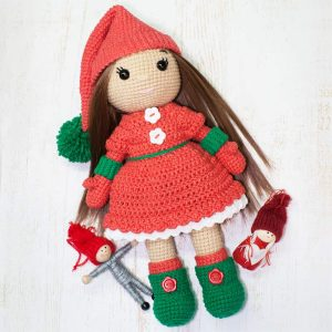 Amigurumi Christmas Doll - Free crochet pattern by Amigurumi Today